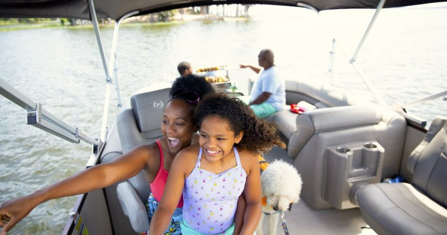 5 Tips for Planning Mother's Day Weekend on a Boat